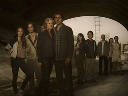 Fear-the-Walking-Dead-Main-Cast-photo