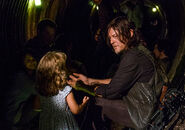 The-walking-dead-episode-808-daryl-reedus-2-935