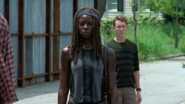 Michonne Sees Simon 709