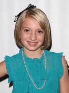 Madison-Leisle-Short-Hairstyles-01