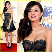 Christian-serratos-mtv-awards