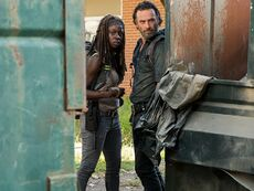 The-walking-dead-episode-712-michonne-gurira-rick-lincoln-pre-800x600
