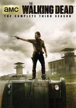 The-Walking-Dead-Wiki S3 5-Disc-DVD