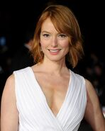 Alicia-witt-at-dumb-and-dumber-to-premiere-in-westwood