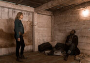 3x10-The-Diviner-Madison-and-Strand-fear-the-walking-dead-40696152-500-352