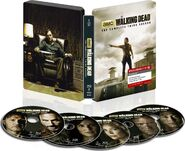 THE WALKING DEAD- THE COMPLETE THIRD SEASON Steelbook Blu-ray™ 2.jpg