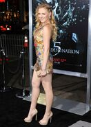 Emma-bell-premiere-final-destination-5-02