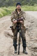 3x08-Children-of-Wrath-Crazy-Dog-fear-the-walking-dead-40687752-333-500
