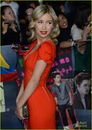Christian-serratos-bd-premiere-05