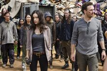 7x10-New-Best-Friends-Rosita-and-Aaron-the-walking-dead-40256948-3600-2384