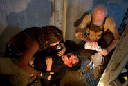 The-Walking-Dead-405-internment