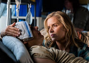 3x08-Children-of-Wrath-Nick-and-Madison-fear-the-walking-dead-40557252-500-352