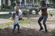 9x03 Mom and Daugther karate time