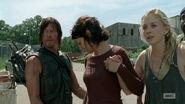 Daryl-maggie-gun-pass