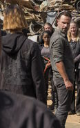 Rick Grimes and junkyard group 7x10