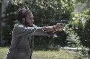 5x11 Wes holding a gun