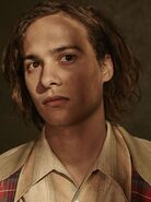 Fear-the-walking-dead-season-1-nick-dillane-cast-portrait-658