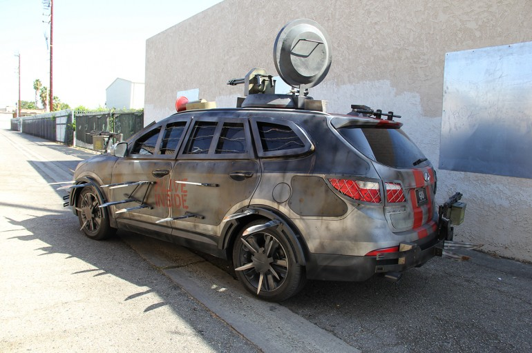 Lovely 2013 Hyundai Santa Fe Zombie Survival Machine 6