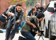 The-walking-dead-episode-802-aaron-marquand-935