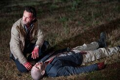 Somehow-shane-could-stumble-back-onto-the-walking-dead-for-season-9