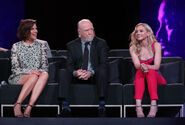 Gallery-1508841358-the-walking-dead-reunion