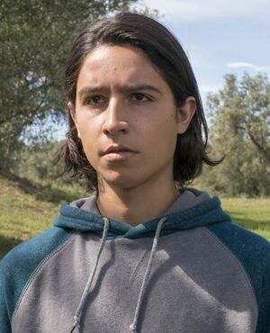 Christopher James Manawa 2x07 (1)