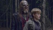 The-walking-dead-episode-912-beta-hurst-henry-lintz-post-2560x1440-800x450