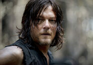 The-walking-dead-season-6-first-look-daryl-reedus-935