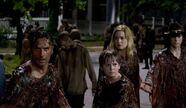 Rick-Sam-Jessie-Carl-The-Walking-Dead-609