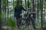10x01 Daryl bike