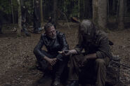 10x06 Negan and Whisperer in camp