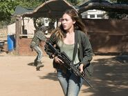 Fear-the-walking-dead-episode-312-alicia-debnam-carey-pre-800x600