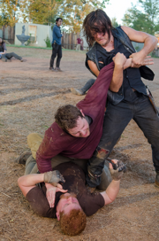 AMC 611 Daryl Helps Abraham