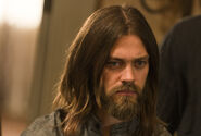 The-walking-dead-season-7-episode-5-tom-payne