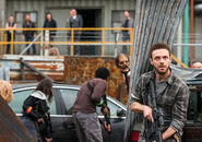 The-walking-dead-episode-801-aaron-marquand-3-935