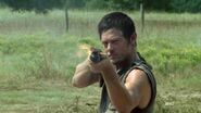 The-walking-dead-remington-870-daryl-season-two