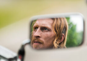 The-walking-dead-episode-703-dwight-amelio-935