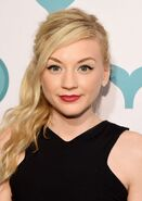 Emily-kinney-at-2015-shorty-awards-close-up