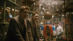 File:250px-Fred and George at their WWW joke shop.jpg