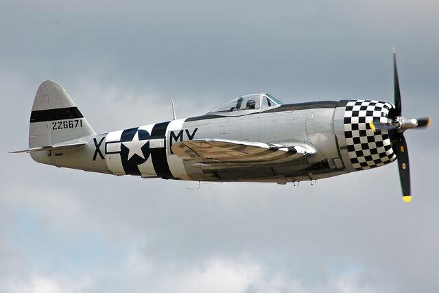File:P-47D-40 Thunderbolt 44-95471 side.jpg