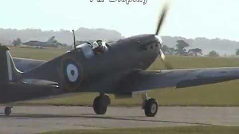 Supermarine Spitfire MK1 P9374 Air Display Duxford 2011