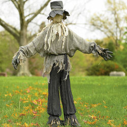 Giant-lifesized-scarecrow-1