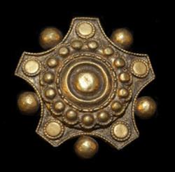 Cloack pin