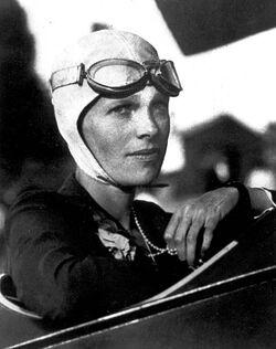Amelia-Earhart-avitor-goggles