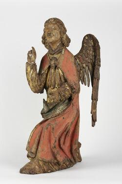 Angel annunciation statue