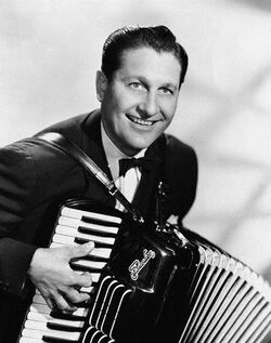 Lawrence-welk-with-an-accordion1-main