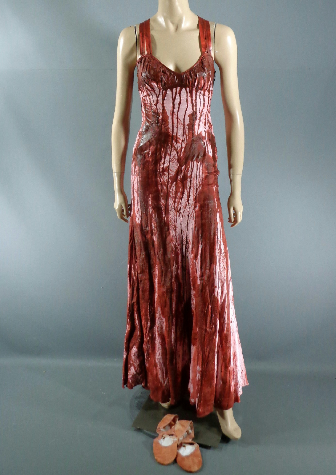 Carrie White\'s Prom Dress | Warehouse 13 Artifact Database Wiki ...