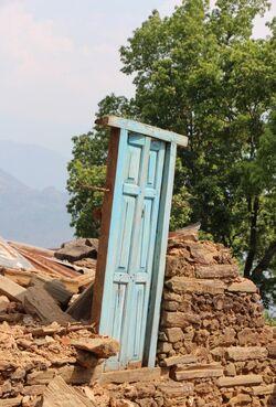 O-BLUE-DOOR-IN-NEPAL-EARTHQUAKE-RUBBLE-570