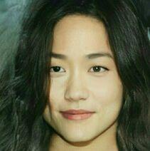 Kimball Cho als Frau (1)