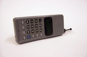 File:Old-cell-phone.jpg